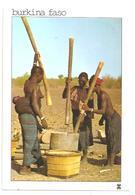 Burkina Faso-Femmes Aux Seins Nus  (D.4088) - Burkina Faso