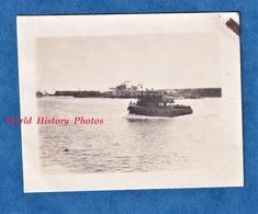 Photo Ancienne Snapshot - BOULOGNE Sur MER - Bateau à Identifier -  Boat Quai Pas De Calais Mer Sortie Du Port - Boats