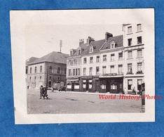 Photo Ancienne Snapshot - BOULOGNE Sur MER Ou Environs - Le Café De L' Avant Port - Immeuble Architecture Pas De Calais - Lieux