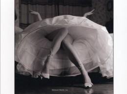 Erotic Upskirt Woman Postcard Sexy Long Bare Legs Girl Hoop Skirt High Heels - 19762 - Moda