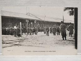 Coutras. Soldats De Passage à La Halte-Repas - France