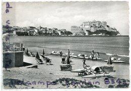- 705 - CALVI - ( Corse ), La Plage Et La Ville, Animation, Pédalo, écrite, Glacée, Grand Format, BE, Scans. - Calvi