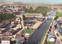 CPSM 55 @ COMMERCY En 1957-  Le Pont Du Canal Et Le Vélodrome - Vélo Cyclisme - Commercy