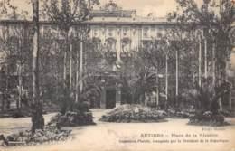 06 - ANTIBES - Place De La Victoire - Antibes