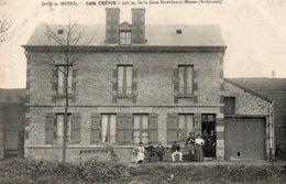 Dom-le-Mesnil  Café Crépin  Animée N'a Pas Circulé - Otros Municipios