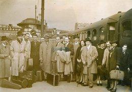 Le Groupe De Jazz Belge JEAN OMER  Et DJANGO REINHARDT   à La Gare Du Nord Le 13/05/1942 - Persons
