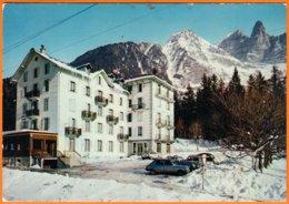 """74400   CHAMONIX - LES TINES Hte-Savoie CPM """" Village De Vacances LA FORET DES TINES """" Non écrite  VOITURES DS  2CV... - Chamonix-Mont-Blanc"""