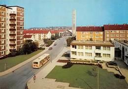 Salzgitter Bad Suedstadt Mit Eichendorff Platz Und Dreifaltigkeitskirche Auto - Salzgitter