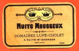 étiquette Ancienne Glaçée De Vin Nuits Mousseux Domaine Lupé Cholet à Nuits Saint Georges - Etiquetas