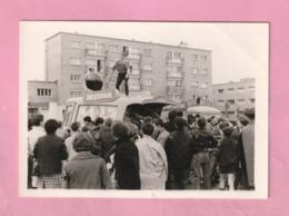 PHOTOGRAPHIE / PHOTO : DUNKERQUE 1966 - CITE DU JEU DE MAIL - VEHICULE PUBLICITAIRE DELESPAUL - - Plaatsen