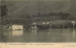 NOUVELLE CALEDONIE  THIO Attelage Franchissant La Riviere - Nouvelle-Calédonie