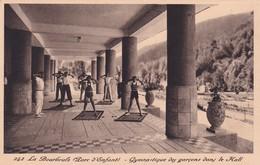 63 La Bourboule , Parc D'Enfant, Gymnastique Des Garçons Dans Le Hall - La Bourboule
