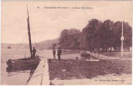 76. CAUDEBEC-EN-CAUX. Le Quai & La Seine. 30 - Caudebec-en-Caux