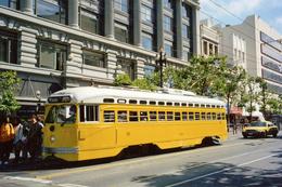 San Francisco (Californie – U.S.A.)  Tramway - Ligne F - Rame PCC N°1063 Aux Couleurs De Baltimore Transit Co - San Francisco