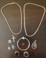 Lot De Bijoux En Argent (Colliers, Bracelet, Pendentifs, Bagues) + Un Fermoir En Or 18 Carats - Achat Immédiat - Non Classés