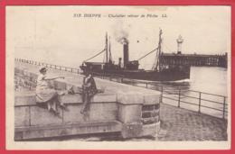 CPA-76-DIEPPE -Chalutier Retour De Pêche *Animation * 2 SCAN- - Dieppe