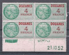 FRANCE FISCAUX DOUANES 4 Francs ** N° 29 Bloc De 4 Timbres Coin Daté 23.10.52 - Fiscaux