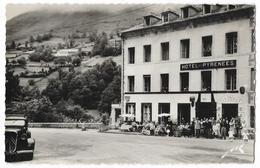 Cpsm: 64 EAUX BONNES (ar. Oloron Sainte Marie) Hôtel Des Pyrénées (Bien Animé, Traction Citroen) Ed. Jové - Eaux Bonnes