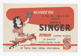 SINGER COMME MAMAN   POUPÉE -- Z903 - Enfants