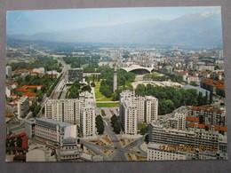CP 38 Isère GRENOBLE - Parc Paul Mistral Boulevard Jean Pain Et La Chaine De Belledonne, Immeubles Type HLM - Grenoble