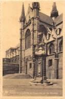 MONS - Place Et Fontaine Du Chapitre De Ste WAUDRU - Mons
