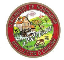 ETIQUETTE De FROMAGE..CAMEMBERT De NORMANDIE..Le Pays D'Auge..Laiterie Du Moulin à SAINT PIERRE Sur DIVES (14) - Fromage
