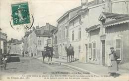 CPA 55 Meuse St Saint Mihiel La Rue Grande Cavalier - Militaria - Saint Mihiel
