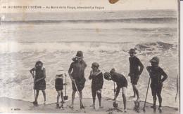 Au Bord De L'Ocean Enfants Au Bord De La Plage  1923 - Le Croisic