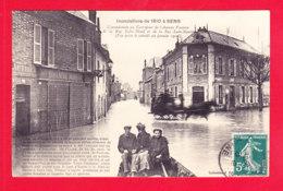F-89-Sens-19A62   Inondations De 1910, Carrefour De L'avenue Vauban, De La Rue Saint Bond Et De La Rue Saint Martin, Cpa - Sens
