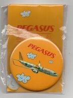 MAGNET - DECAPSULEUR - BOTTLE OPENER - PEGASUS AIRLINES - BOEING 737 - - Aviation Commerciale