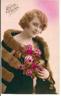 L60b152 - Bonne Année - Portrait De Femme Roses Et Fourrure  - AYS N°842 - New Year