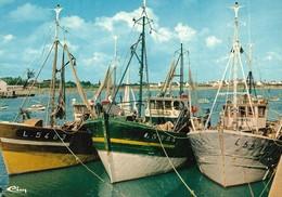 CARTE POSTALE ORIGINALE 10CM/15CM : PORT LOUIS LE PORT BATEAUX DE PECHE DES ANNEES 1970  MORBIHAN (56) - Port Louis