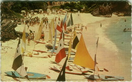 BERMUDA - SUNFISH SAIL BOATS AT THE REEFS BEACH CLUB AFTER A RACE - PUB. BY BERMUDA DRUG. - 1950s/60s  (BG6494) - Bermuda