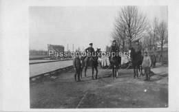 CARTE PHOTO ALLEMANDE CAMBRAI 1918 CAVALIERS CANAL - Cambrai