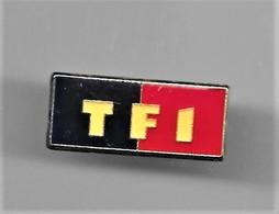 PINS MEDIAS TELEVISION TF1 LOGO / 33NAT - Medios De Comunicación