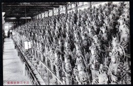 CPA ANCIENNE JAPON- KYOTO- SANJUSANGENDO EN 1913- GALERIE DES 1000 STATUES- INFO (3) AU VERSO- 2 SCANS - Kyoto