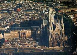 Dep 76 , Cpm En Avion Sur ROUEN , 76.540.305 , L'Hotel De Ville Et L'Eglise  (15561) - Rouen