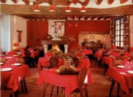 "CPM - CUNAULT - AUBERGE ""LE BARBECUE"" (salle De Restaurant) - Edition Pub - Frankreich"
