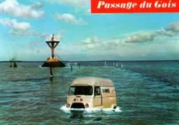 CPM - NOIRMOUTIER - LE PASSAGE Du GOIS - Voiture Restée Dans ... (Utilitaire Renault) - Edition Vieux-Chouan - Ile De Noirmoutier