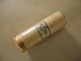 Cartouche Pour Lance Fusée Verte En Carton Datée 85 - Equipment