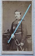 Photo CDV Circa 1868 Officier Armée Belge ABL Uniforme Photographe Nestor Schaffers GENT Belgische Leger Militaria - Photos