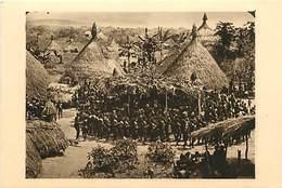 Pays Div-ref W615- Republique Centrafricaine - Oubangui Chari - Funerailles D Un Chef Boubou - - Centraal-Afrikaanse Republiek
