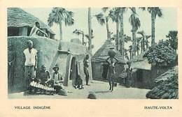Pays Div-ref W612- Burkina Faso - Haute Volta - Village - Au Verso Publicité Exposition Coloniale De Paris En 1931- - Burkina Faso