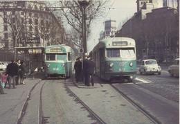 Nº 568 POSTAL DE 2 TRANVIAS DE BARCELONA PCC EN PLAZA DE UNIVERSIDAD (TREN-TRAIN-ZUG) AMICS DEL FERROCARRIL - Tranvía