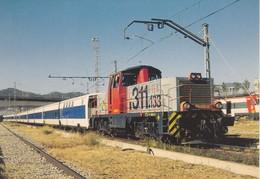 Nº 886 POSTAL DE LOCOMOTORA DIESEL ELECTRICA 311.133 EN SANT ANDREU COMPTAL (TREN-TRAIN-ZUG) AMICS DEL FERROCARRIL - Treni