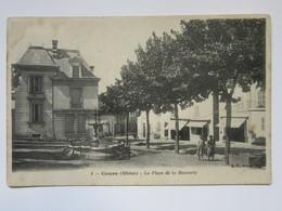 Cpa, Trés Belle Vue Animée, COURS, La Place De La Bouverie - Cours-la-Ville