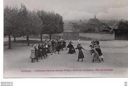 58 . Nièvre : Corbigny : Institut De Jeunes Filles . Cour De Récréation . - Corbigny