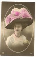 178 - Femme - Chapeau Extravagant - Moda