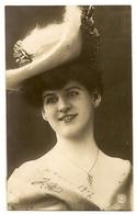 179 - Femme - Chapeau Extravagant - Moda