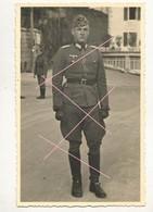 WW2 PHOTO ORIGINALE Soldat Allemand Officier Heer 13 X 8.5 Cm Beau Portrait En France Mais Où ???? - 1939-45